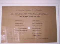 Plaque Ambassade de France.jpg